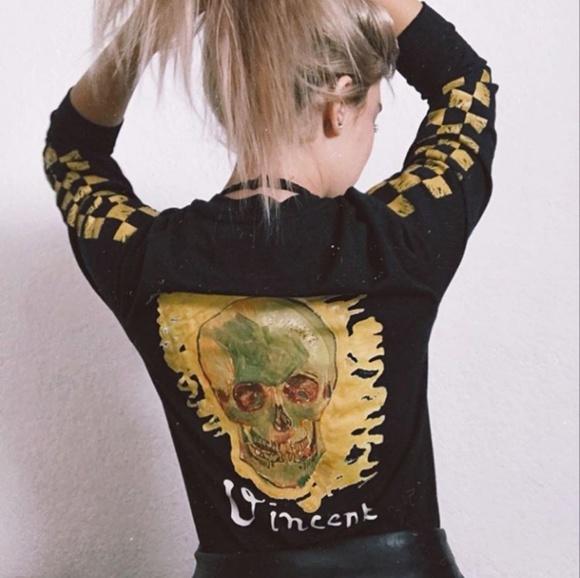 08b1c61a06 Vans x Vincent Van Gogh Skull Shirt